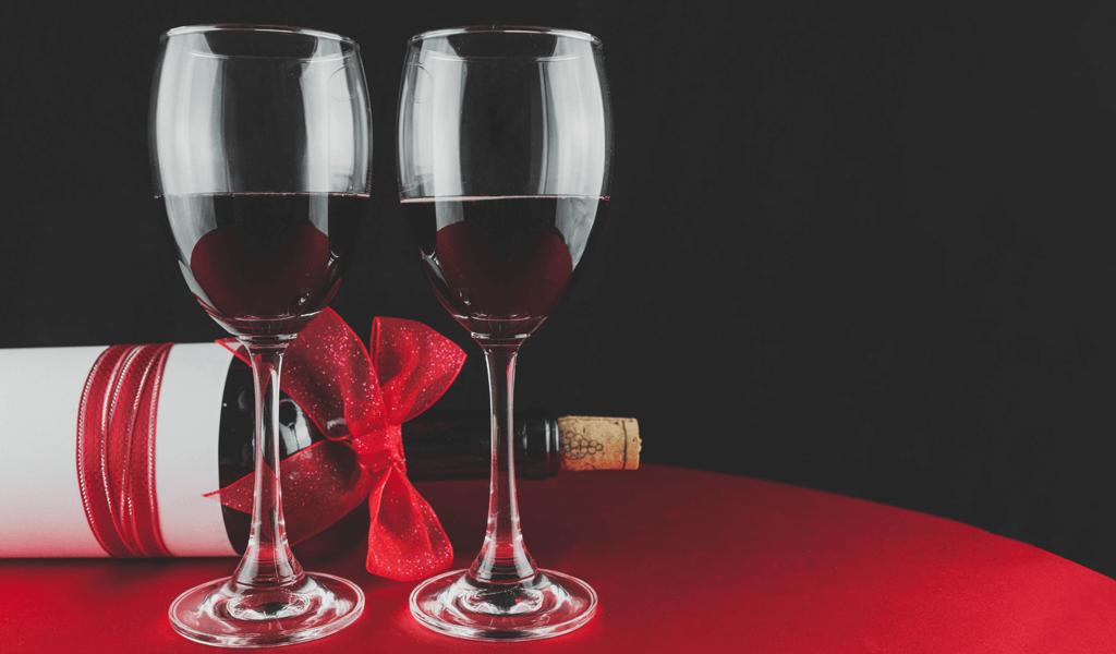 Vino, čokolada i ona